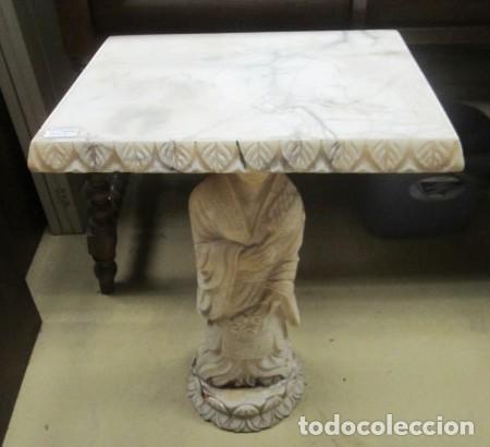 Antigüedades: Mesa de marmol antigua, el pie es una gueisa , la tapa tiene escenas de caza - Foto 8 - 150341506