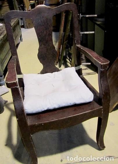 Antigüedades: 8 Sillones chinos antiguos, son de madera forrada de tela lacada, policromada, bonita patina y craqu - Foto 3 - 150375650