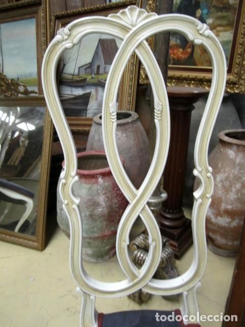 Antigüedades: 4 Sillas vintage con repaldo en talla de lazo, policromado en blanco - Foto 4 - 150378502