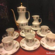Antigüedades: ENCANTADOR JUEGO DE CAFE VINTAGE, 6 SERVICIOS. PRECIOSO ESTAMPADO. 15 PIEZAS. PORCELANA. Lote 150474246