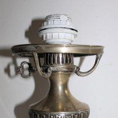 Antigüedades: QUINQUÉ ELECTRIFICADO EN PLATA PUNZONADA DE LOS AÑOS 60 ETIQUETA JOYERÍA ORIOL. Lote 150484138