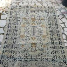 Antigüedades: ALFOMBRA ANTIGUA BUEN ESTADO. Lote 150489425