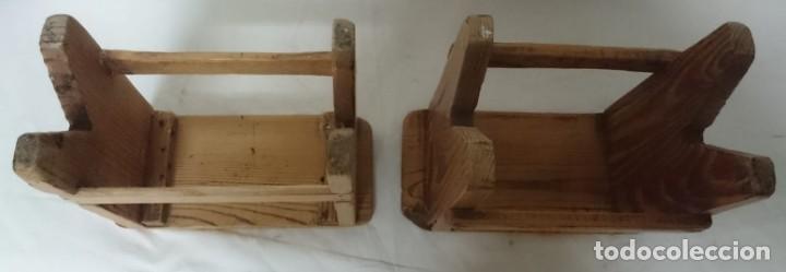 Antigüedades: Antigua pareja de taburetes de sastrería años 30, se han quitado restos de barniz y encerado. - Foto 2 - 150499030