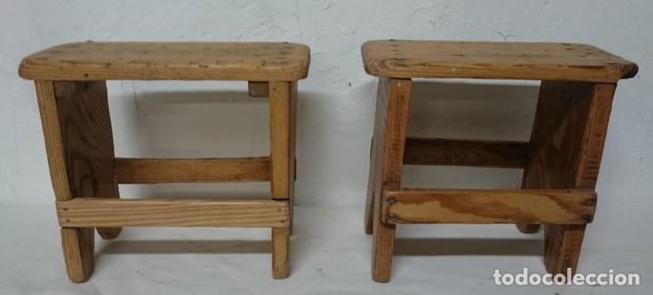 Antigüedades: Antigua pareja de taburetes de sastrería años 30, se han quitado restos de barniz y encerado. - Foto 3 - 150499030
