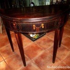 Antigüedades: MESA CONSOLA ANTIGUA CON MARQUETERIA, SE CONVIERTE EN MESA DE JUEGO . Lote 150525650