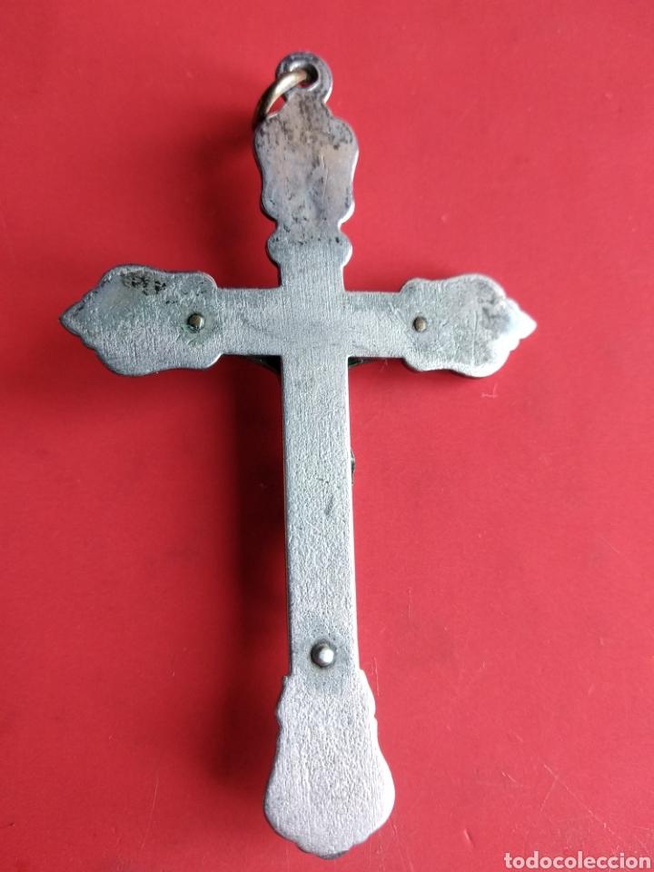 Antigüedades: Antigua preciosa cruz pectoral con Cristo en bronce y motivos florales - Foto 2 - 150526313