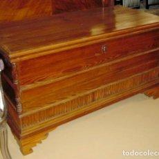 Antigüedades: ARCON ANTIGUO MOLDURADO Y CON MEDIAS COLUMNAS. Lote 150534898