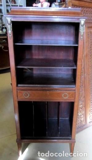 Antigüedades: Mueble musiquero antiguo, para gramofono, estanteria - Foto 2 - 150537114