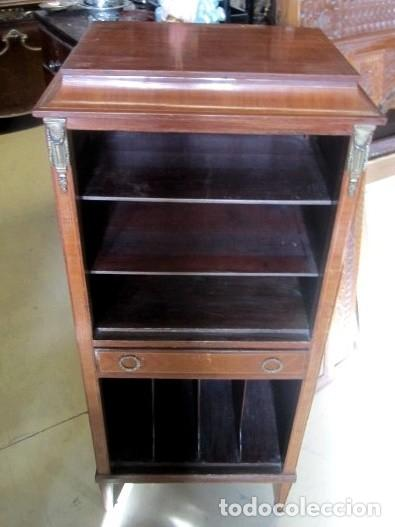 Antigüedades: Mueble musiquero antiguo, para gramofono, estanteria - Foto 3 - 150537114