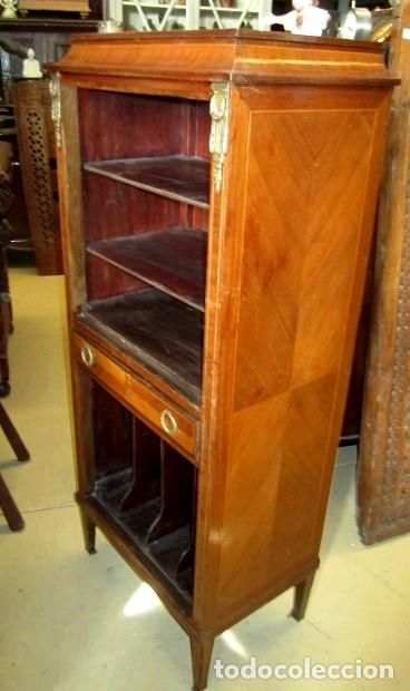 Antigüedades: Mueble musiquero antiguo, para gramofono, estanteria - Foto 4 - 150537114