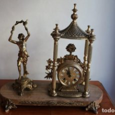 Antigüedades: RELOJ DE BRONCE CON PEANA DE MÁRMOL. Lote 150576042
