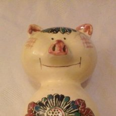 Antigüedades: ANTIGUA HUCHA CERDITO DE CERAMICA -HISPANIA C.H. MANISES (MADE IN SPAIN)-. Lote 150615814