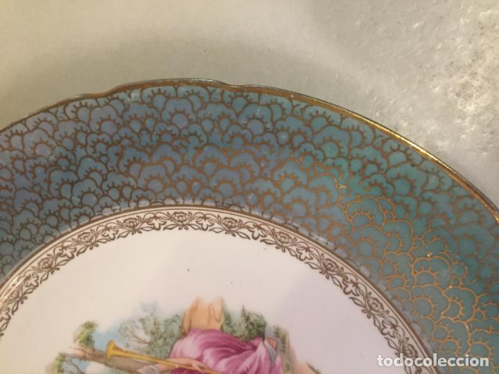 Antigüedades: Antiguo plato / plata decorativo en porcelana coloreada años 50-60 de marca Santa Clara - Foto 3 - 150644754