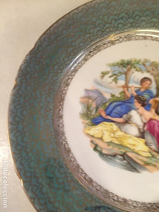 Antigüedades: Antiguo plato / plata decorativo en porcelana coloreada años 50-60 de marca Santa Clara - Foto 5 - 150644754