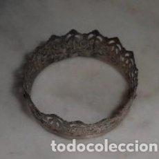 Antigüedades: CORONA DE METAL PLATEADO PARA IMAGEN RELIGIOSA. Lote 150646202