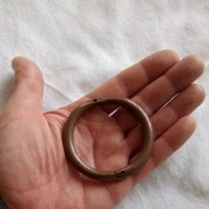 Antiguidades: ANTIGUA ARGOLLA PARA HOCICOS DE TORO EN COBRE . Lote 150668734