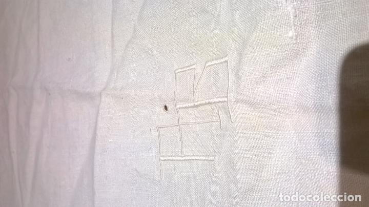 Antigüedades: Mantel de hilo ,con ocho servilletas. Ovalado.Medida 200x220 cm. - Foto 4 - 150668882
