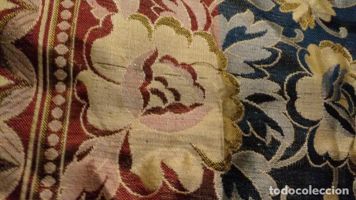 Antigüedades: gran manton mantoncillo tradicional regional brocado seda o sedina muy buen estado 130cm + fleco - Foto 7 - 150675294