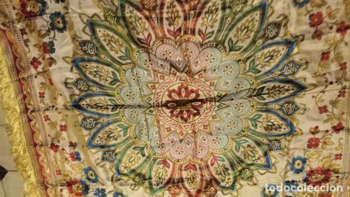 Antigüedades: gran manton mantoncillo tradicional regional brocado seda o sedina muy buen estado 130cm + fleco - Foto 13 - 150675294