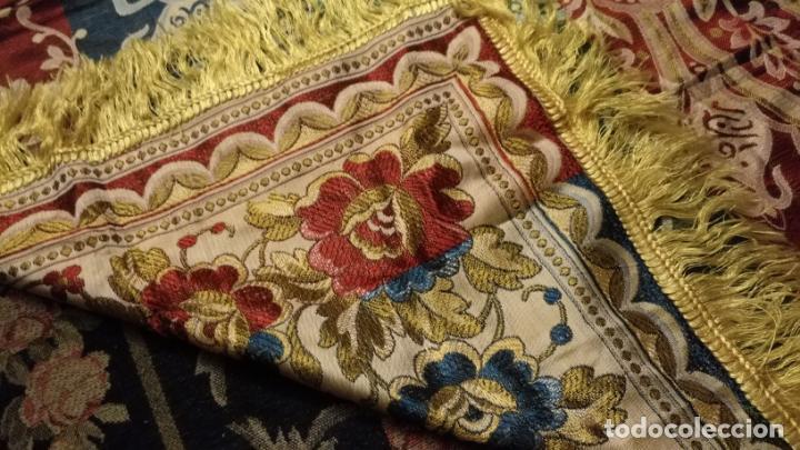 Antigüedades: gran manton mantoncillo tradicional regional brocado seda o sedina muy buen estado 130cm + fleco - Foto 18 - 150675294