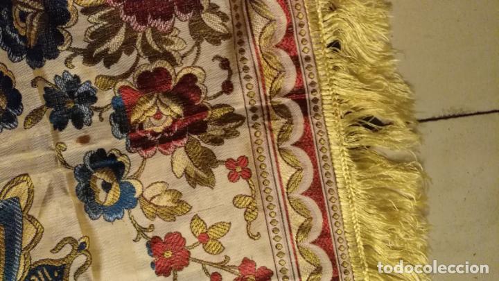 Antigüedades: gran manton mantoncillo tradicional regional brocado seda o sedina muy buen estado 130cm + fleco - Foto 19 - 150675294