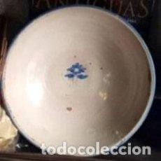 Antigüedades: ANTIGUA FUENTE PLATO DE TALAVERA. MOTIVO FLORAL.. Lote 150713197