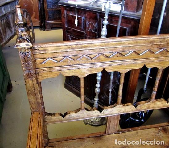 Antigüedades: Banca rustica antigua torneada y tallada - Foto 3 - 150780678