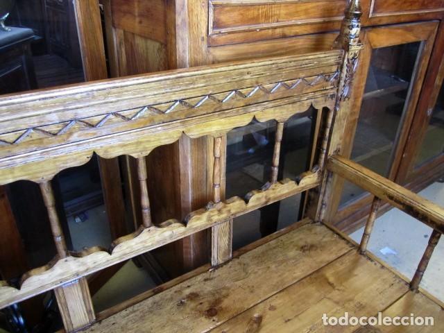 Antigüedades: Banca rustica antigua torneada y tallada - Foto 7 - 150780678