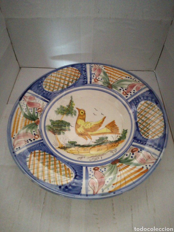 PLATO DECORATIVO PARA COLGAR MARCA LARIO LORCA MURCIA 33 CENTÍMETROS DE DIÁMETRO (Antigüedades - Porcelanas y Cerámicas - Lario)