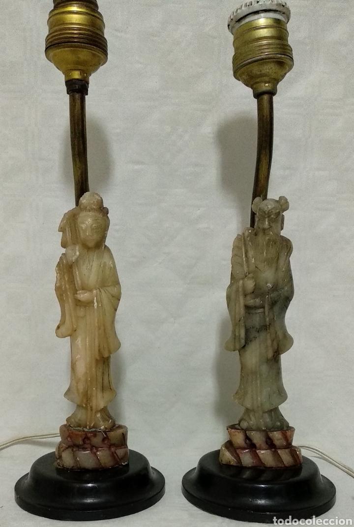 ANTIGUAS LÁMPARAS DE BRONCE CON FIGURAS DE CHINO Y CHINA DE JADE Y BASE DE MADERA SXIX (Antigüedades - Iluminación - Lámparas Antiguas)