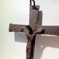 Antigüedades: ANTIGUO CRUCIFIJO DE HIERRO FORJA . CRISTO PARA COLGAR - 16CM. Lote 150864470