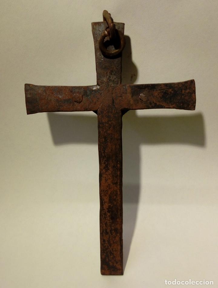 Antigüedades: antiguo crucifijo de hierro forja . cristo para colgar - 16cm - Foto 5 - 150864470