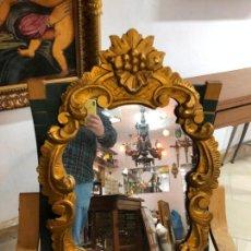 Antigüedades: PRECIOSO ESPEJO CORNUCOPIA DE MADERA Y DORADO CON MEDIDAS 90X53 CM. Lote 150932866