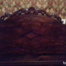 Antigüedades: CAMA ANTIGUA EN MADERA MACIZA TALLADA. NO ENVÍO. Lote 150947646