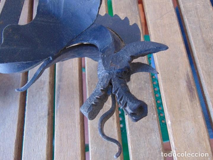 Antigüedades: PAREJA DE MORILLOS EN HIERRO FORJA CON CABEZA DE DRAGONES PARTES SOLDADAS - Foto 11 - 150948254
