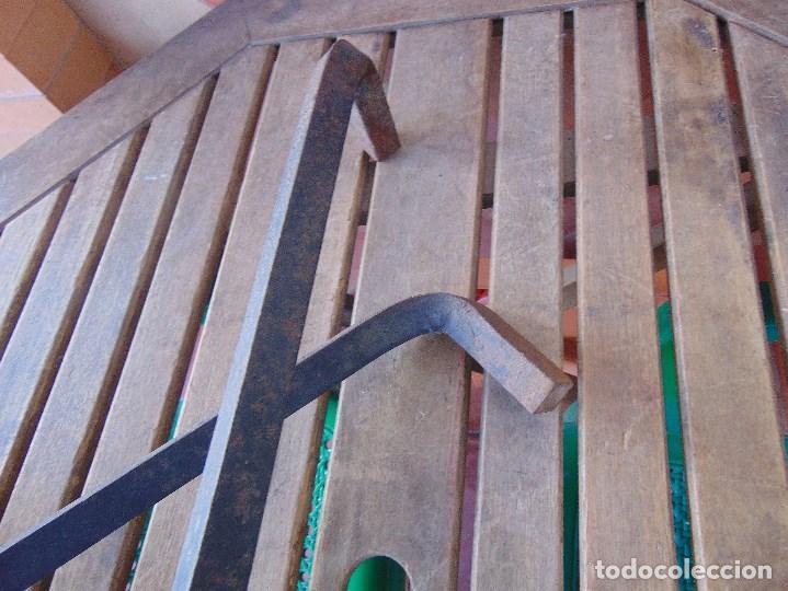 Antigüedades: PAREJA DE MORILLOS EN HIERRO FORJA CON CABEZA DE DRAGONES PARTES SOLDADAS - Foto 14 - 150948254