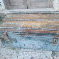 Antigüedades: IMPRESIONANTE RARA MALETA VALIJA METAL ORIGEN MILITAR 2ª GUERRA MUNDIAL? IDEAL DECORACIÓN INDUSTRIAL. Lote 150968092