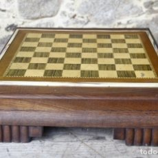 Antigüedades: TABLERO DE AJEDREZ DE SOBREMESA. Lote 151043646