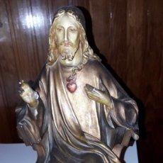 Antigüedades: FIGURA SAGRADO CORAZÓN DE JESÚS. Lote 136376018