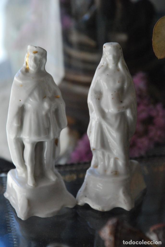 BONITA PAREJA DE ANTIGUOS INCENSIARIOS DE PORCELANA (Antigüedades - Porcelanas y Cerámicas - Otras)
