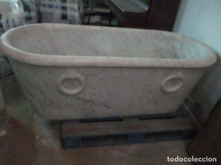 Antigüedades: Antigua Bañera de Mármol - Bañera de una Pieza de Mármol Tallado - con Grifería Original - S. XIX - Foto 2 - 151080794