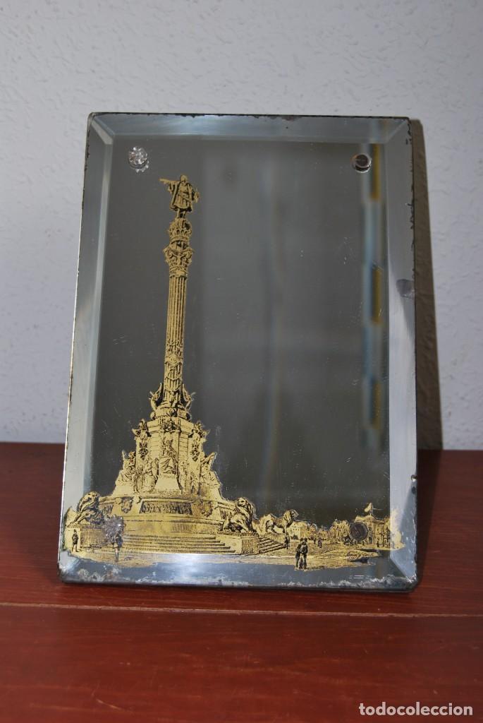 Antigüedades: PRECIOSO ESPEJO MODERNISTA DE SOBREMESA - MONUMENTO A COLÓN BARCELONA - EXPOSICIÓN UNIVERSAL 1888 - Foto 2 - 151080882