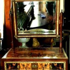 Antigüedades: TOCADOR CON ESPEJO ANTIGUO DE TARACEA, TRABAJO ITALIANO SXIX . Lote 151092650