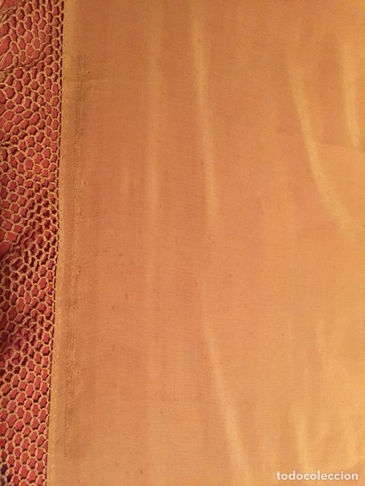 Antigüedades: Antiguo mantón liso color mostaza - Foto 7 - 151129348