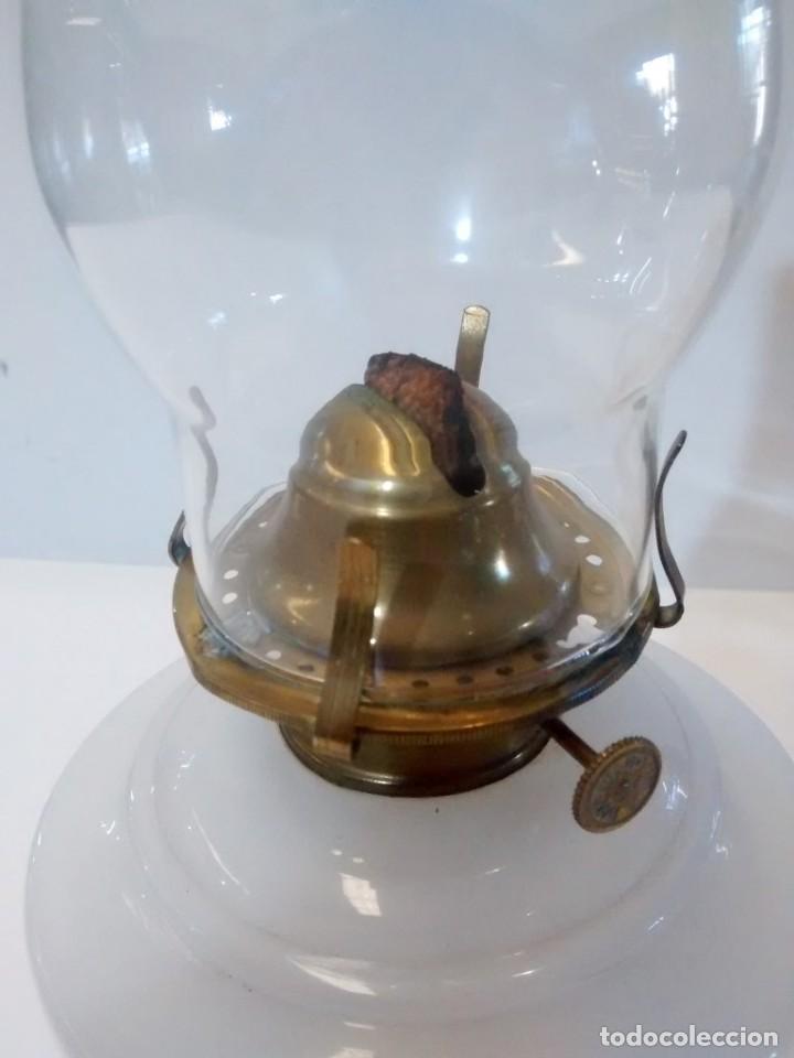 Antigüedades: QUINQUE OPALINA BLANCA - Foto 2 - 151144290