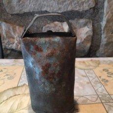 Antigüedades: ANTIGUO CENCERRO DE LATA PARA OVEJAS / CABRAS O VACAS AÑOS 20-30. Lote 151170678