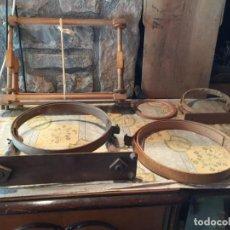 Antigüedades: ANTIGUOS 5 BASTIDOR / BASTIDORES DE MADERA PARA BORDAR Y TEJER AÑOS 20-30. Lote 151171826