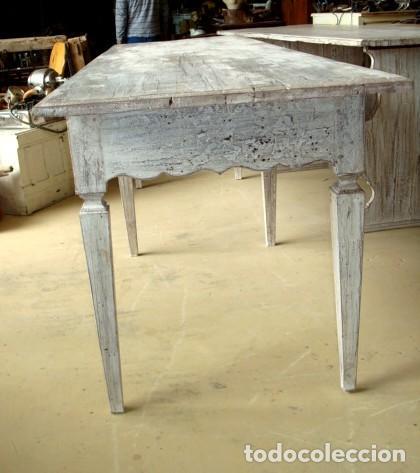 Antigüedades: Mesa consola rustica patinada en blanco, con 2 cajones y 6 patas 2,86 metros de largo - Foto 3 - 151231130