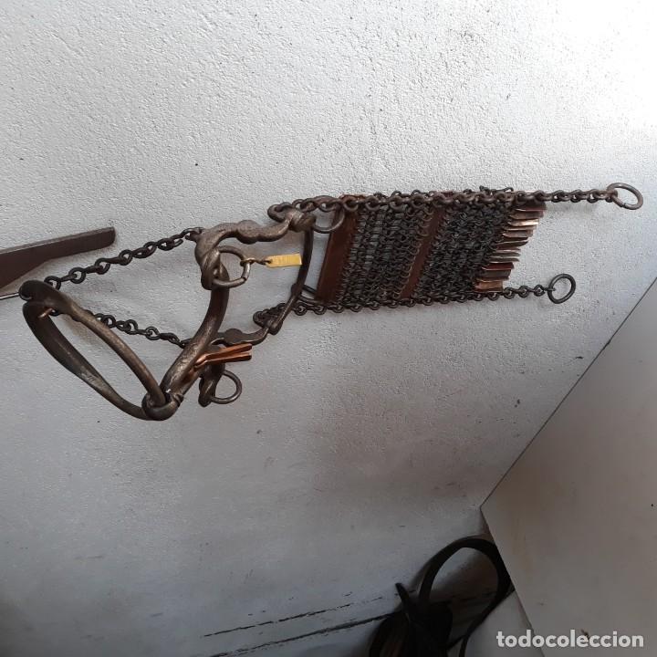 Antigüedades: Impresionante bocado en hierro y cobre para caballo. - Foto 4 - 151322402