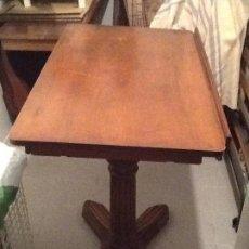 Antigüedades: MESA DE NOGAL DE DIBUJO O DE CAMA 1870 TABLE SOLEIL. Lote 151326666
